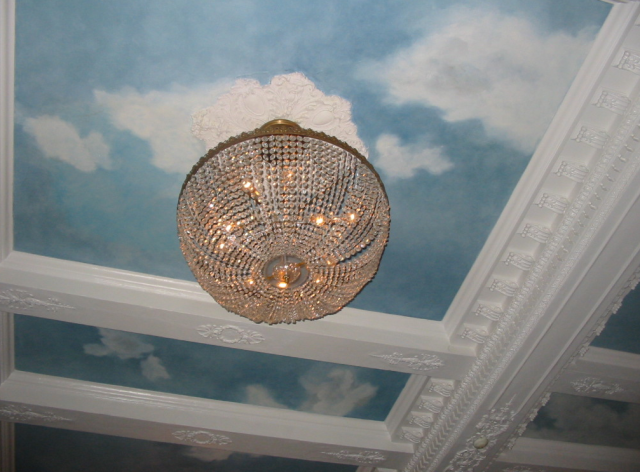 dreamy chandelier from jefferson hotel