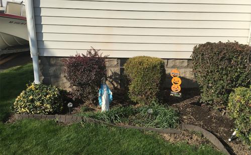 lawn-display
