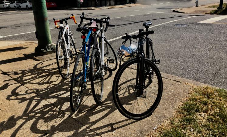 bikes-4-silver helmet