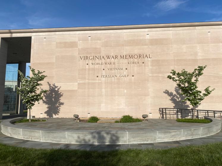 doors- war mem va 2021 front of memorial
